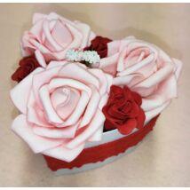 Kis szív alakú rózsaszín rózsadoboz 11 cm