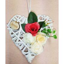Kis fehér vessző szív virágokkal, Szeretlek felirattal 15 cm