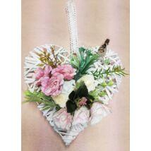 Fehér vessző szív vegyes virágokkal, madárkával 25 cm