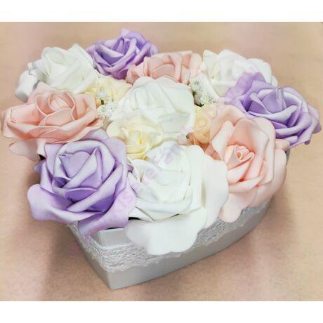 Szív alakú pasztell vegyes rózsadoboz 16 cm