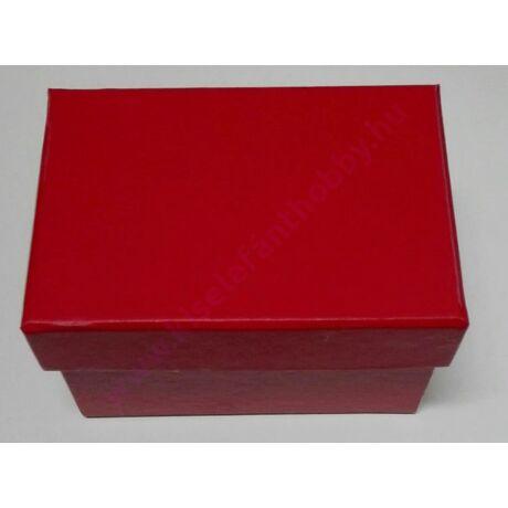Kis papírdoboz 9x6x6 cm piros