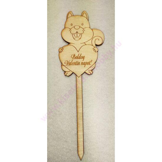 Fa beszúrós mókus boldog valentin napot felirattal
