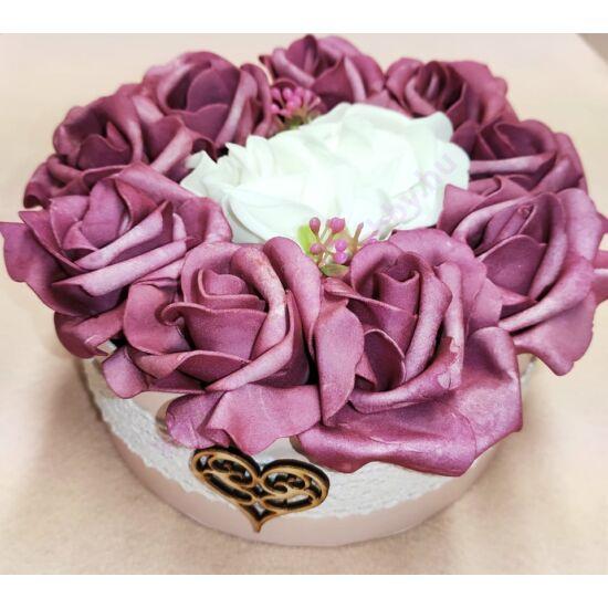 Mályva rózsadoboz szívvel 16 cm