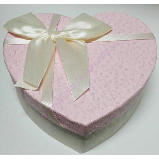 Szív papírdoboz krém-rózsaszín masnival 15x14x6 cm
